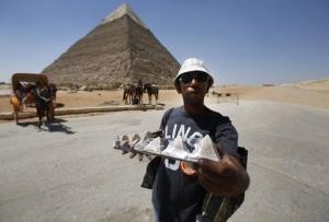 В Египте решили перевоспитать назойливых торговцев