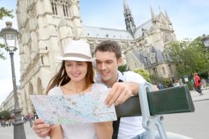 Никаких автобусов: в Париже введут ограничение для туристов