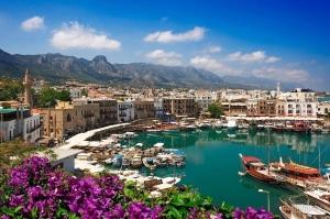 Кипр отменил справки об отсутствии коронавируса для туристов