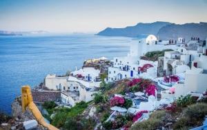 Планы на лето: когда Греция откроется для украинских туристов