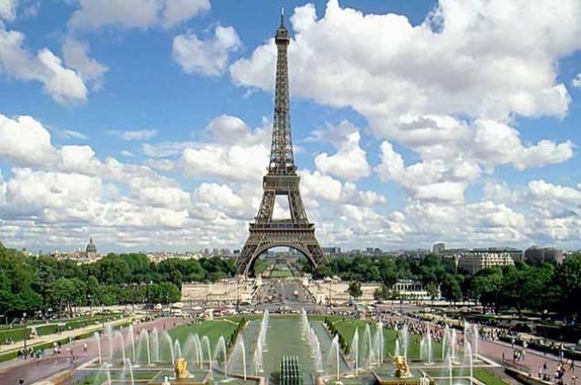 Свидание в Париже! Без ночных переездов.